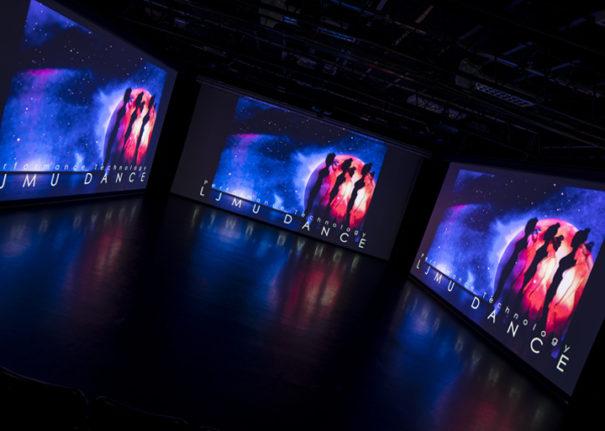Pure AV y Epson teatro danza Universidad John Moores de Liverpool