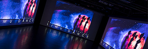 La proyección de Epson añade una nueva dimensión al teatro de danza de la Universidad John Moores