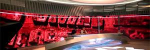 Telemadrid renueva su plató de Informativos instalando un videowall curvo de gran formato