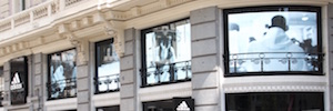 Adidas Led screens transforms the windows of the renovated store in the Gran Via in Madrid