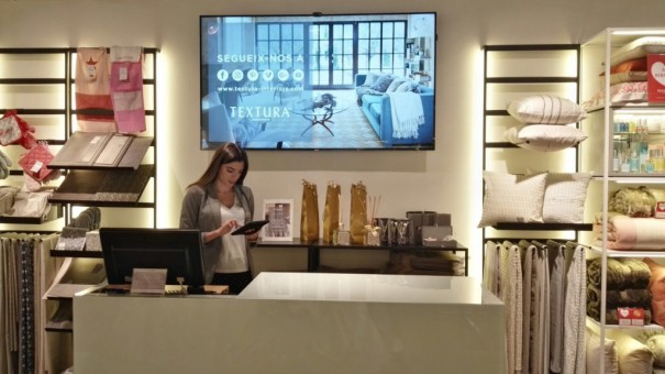 Beabloo digital signage in texture