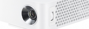 LG expands its range of LED projectors with ultra portable PH30JG