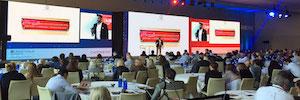 Las pantallas de Led de gran formato protagonizan los eventos empresariales