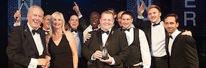 B-Tech AV Mounts se alza con el premio al fabricante del año en la entrega de los AV Awards en Londres