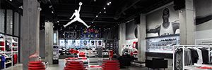 The new Air Jordan in Toronto store attracts the customer with a dynamic and attractive AV system