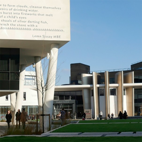 Panasonic Universidad de West Yorkshire