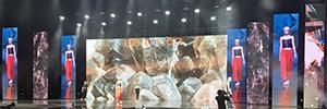 Sono instaló una pantalla de 156 m2 para la Global Zoom de Barcelona