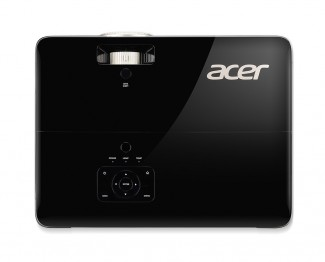 Acer V6820