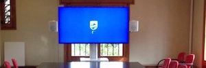 Tecnología AV para la sala de reuniones de la Asociación de Amigos de la UAB