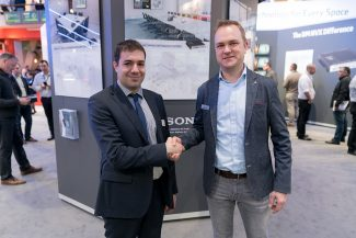 Thomas Issa (Sony Pro) Jan Ooms (Crestron)