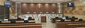 Los tribunales de Jahra y Farwaniya se digitalizan con monitores Albiral