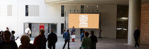 El Mercado de San Antonio de Barcelona reabre sus puertas con un canal digital de Neo
