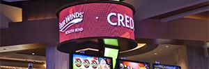 El nuevo casino Four Winds renueva sus soportes de señaletica con pantallas curvas Nanolumens Nixel
