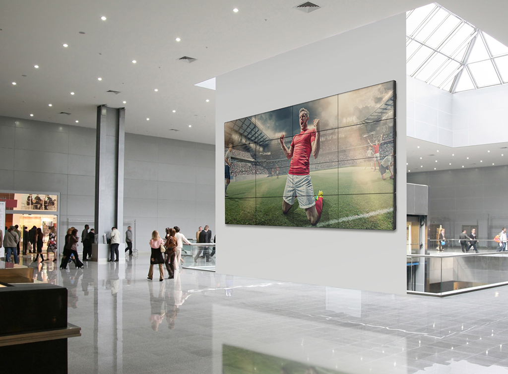 Philips goes to Las Vegas with its commitment to the large format