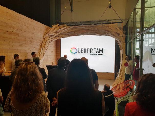 led dream showroom