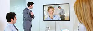 Iiyama ofrece una completa gama de pantallas de gran formato para señalización digital