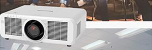 Panasonic MZ770: proyectores láser LCD de alto brillo para empresa y educación
