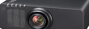 Panasonic PT-RZ870: proyección láser de 8.500 lúmenes para educación y digital signage