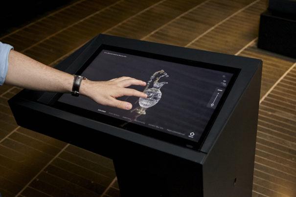 Samsung en Museo del Prado Tesoro del Delfin