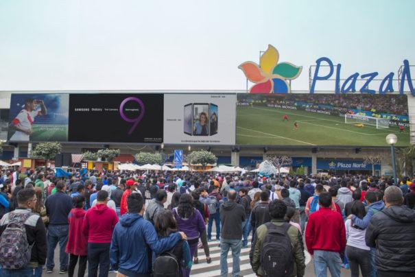 Samsung en centro comercial Plaza Norte Lima