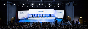 Una pantalla de más de 48 m2 presidió la Junta de Accionistas de Gas Natural Fenosa