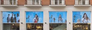 Trison aporta una experiencia AV e interactiva en la mayor tienda de Pull&Bear en España
