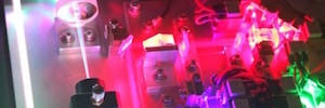 Atenlaser une su tecnología de módulos láser para iluminación al Grupo Laserworld