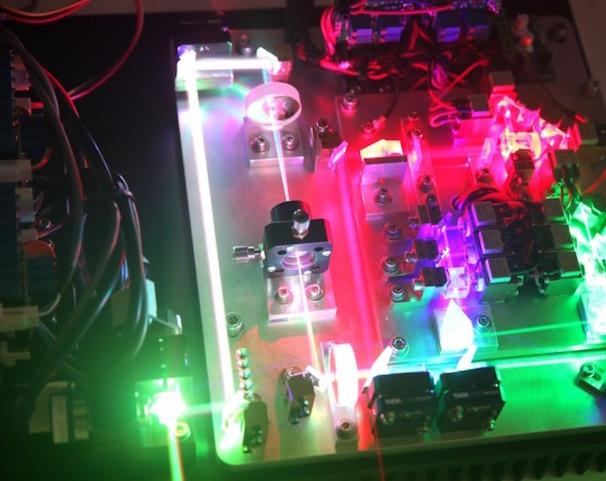 Atenlaser si unisce il gruppo laserworld laser per la tecnologia di