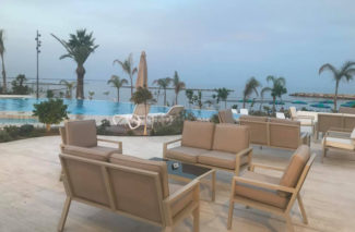 Equipson Work Pro Lebay Beach Hotel