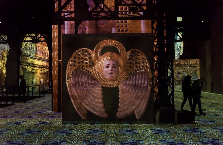 Los proyectores de Barco dan vida al centro de arte digital