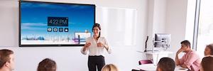 CTouch fomenta el aprendizaje con diversión con la pantalla táctil interactiva Laser Nova