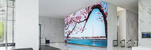CEB Tower impacta a los visitantes desde una gran pantalla Led de 217 m2