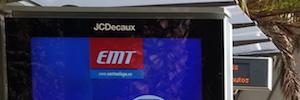 Málaga instala mobiliario digital con pantallas de gran formato en las paradas de la EMT