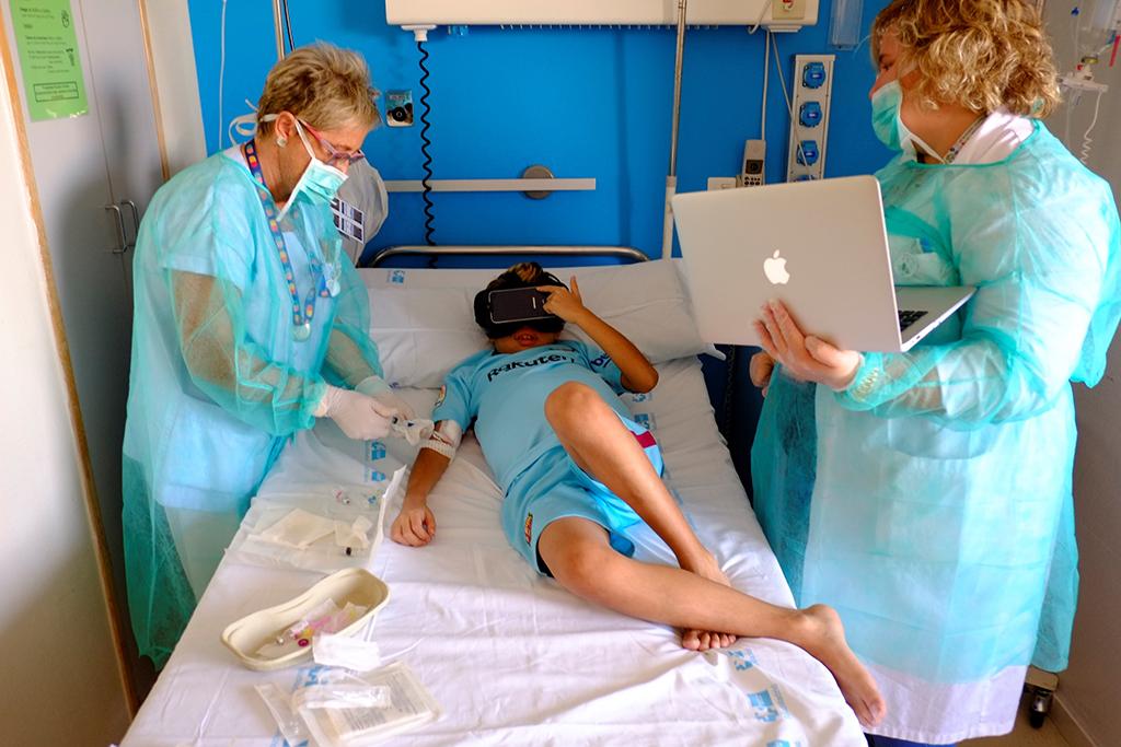 239b1952b Paz implementou um projeto terapêutico pioneiro de realidade virtual para  transplante pediátrico