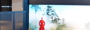Condé Nast crea en 'The Well' un espacio icónico e impactante con cubos Led Christie Velvet