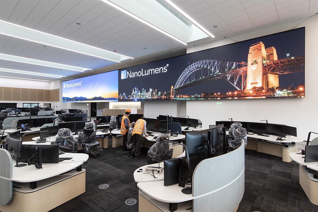 Una pantalla de gran formato y resolución proporciona información crítica al nuevo centro de control de Sydney Trains