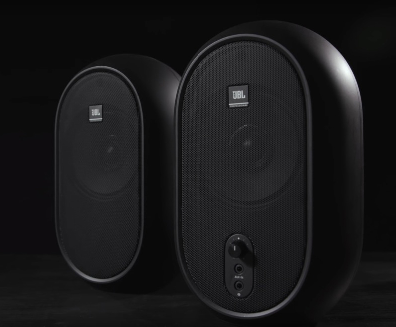 JBL One series 104: reference for audiovisual production monitors