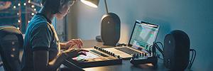 JBL One Serie 104: monitores de referencia para producción audiovisual