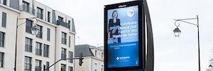 JCDecaux despliega mobiliario urbano digital en el departamento francés de Altos del Sena