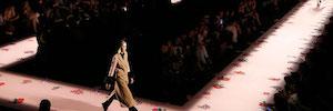 Iluminación y control de luz, un tándem perfecto para los espectáculos de moda