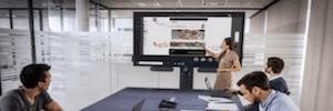 Dell UltraSharp 40 WUHD